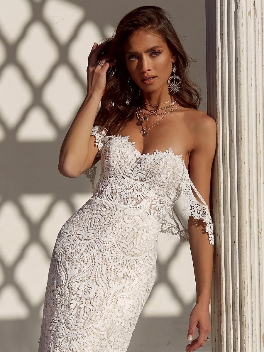 ANDIE-ML17655-WEDDING-DRESS-MADI-LANE-BRIDAL-4