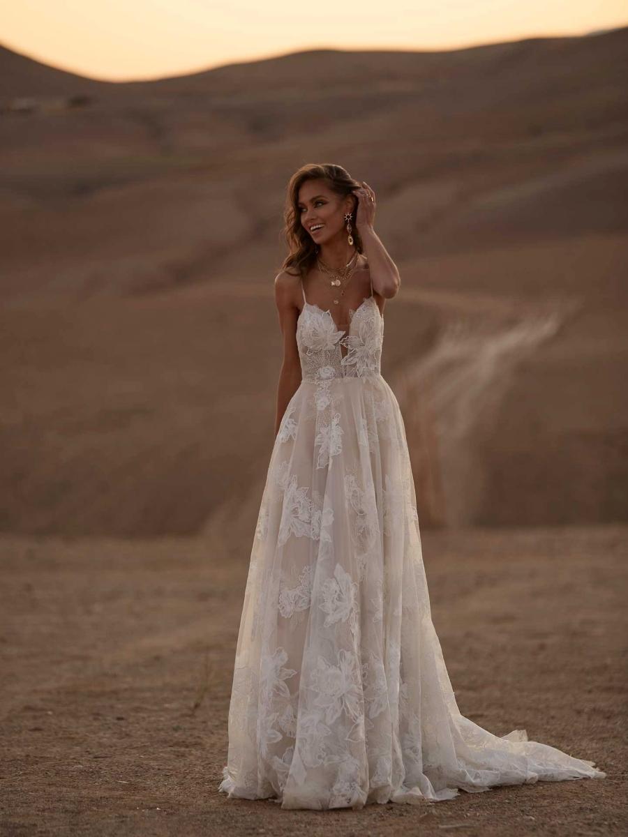 AVERY-ML17015-WEDDING-DRESS-MADI-LANE-BRIDAL-1