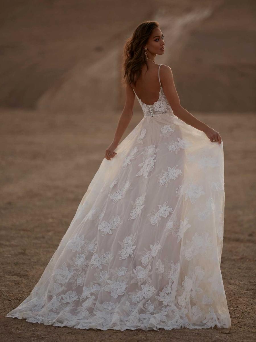 AVERY-ML17015-WEDDING-DRESS-MADI-LANE-BRIDAL-2