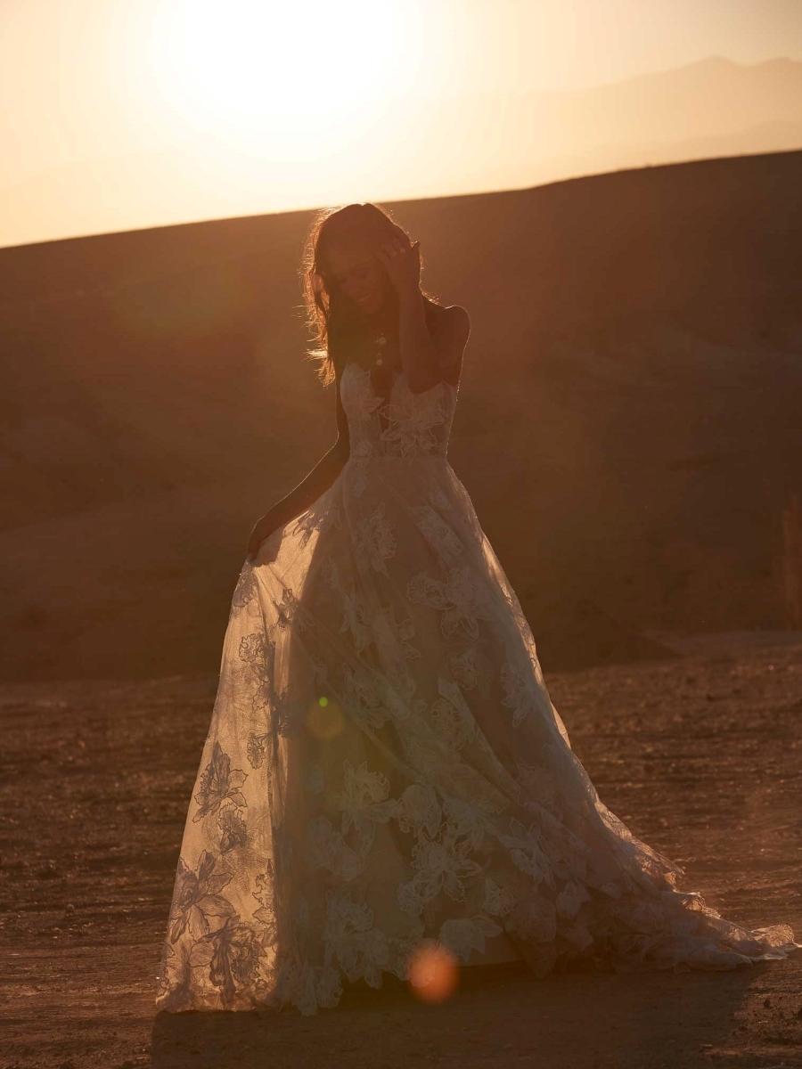 AVERY-ML17015-WEDDING-DRESS-MADI-LANE-BRIDAL-3