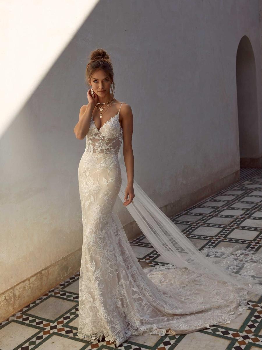 ANYA-ML17224-WEDDING-DRESS-MADI-LANE-BRIDAL-1