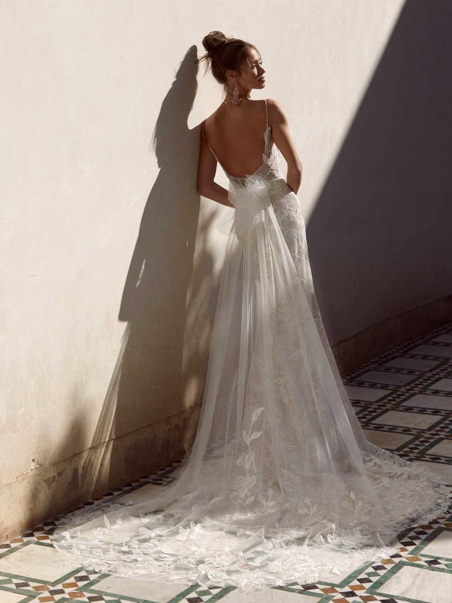 ANYA-ML17224-WEDDING-DRESS-MADI-LANE-BRIDAL-2