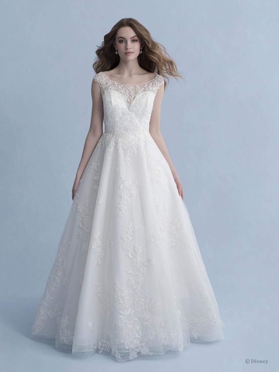 D267-SnowWhite-Disney-Fairy-Tale-Weddings-1